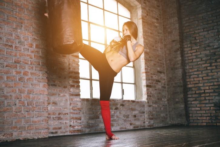 10 причин взять урок кик-боксинга